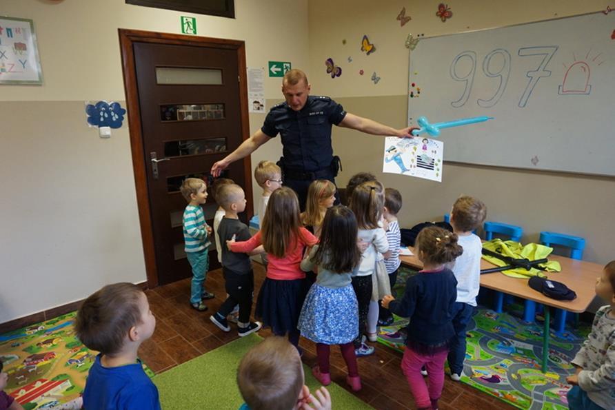 POLICJA w przedszkolu :)