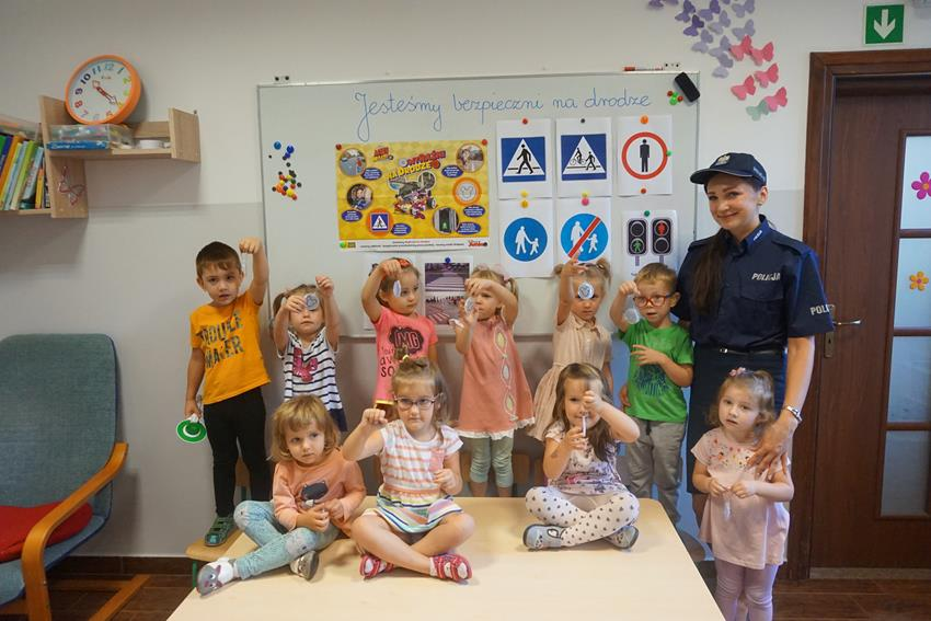 Policja w przedszkolu – Bezpieczni na drodze.😁👮♀️👩✈️😀