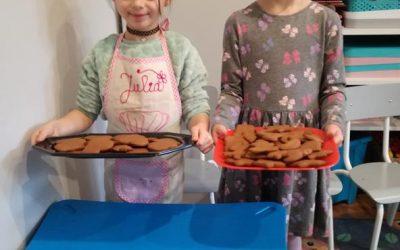 Pieczemy i dekorujemy pyszne pierniczki, mniam :)